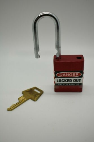 American Lock A1105RED Red Lockout Padlock - Keyed Diff