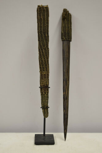 Papua New Guinea Dagger Ceremonial Wood Pay back Dagger Latmul Tribe