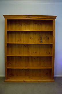 Bookcase large 5 shelves pine timber strong Quick sale