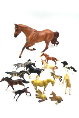 Breyer Horses Lot Multiple sizes and colors