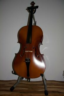 3/4 Size Cello Set (1 yr old) In excellent condition