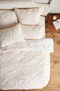 Brand new ANTHROPOLOGIE twin pink Claremore duvet and sham