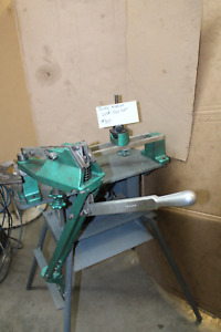 Manual lever saw set