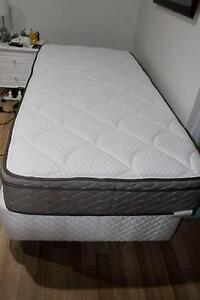 SINGLE MATTRESS AND BED BASE Butler Wanneroo Area Preview