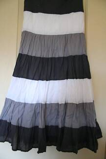 Wombat Tier Crushed Skirt Old Bar Greater Taree Area Preview