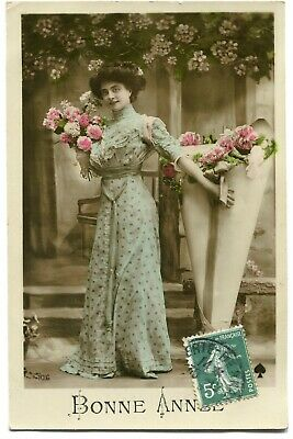 CPA - Carte Postale - Fantaisie - Bonne Année - portrait de Femme - Fleurs (I985