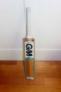 GM SIX6 cricket bat size 5. Essendon Moonee Valley Preview