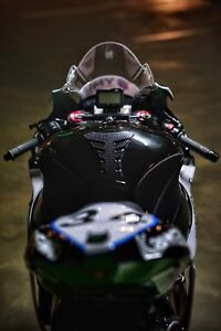 2016 zx10r race/track bike for sale. Brand new motor and gear box