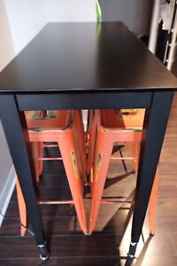 Dinning table with barstool 30in
