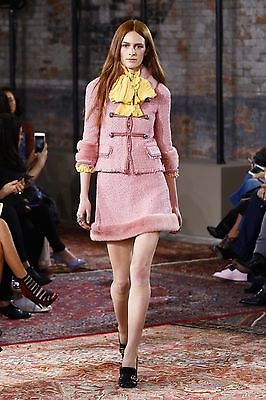 Gucci Runway Resort 2016 NWT Pink Tweed Suit Jacket Skirt Tiger Buttons 40IT