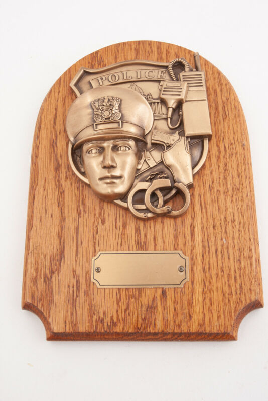 Unused Police Award Plaque Sold Brass on Oak Gun Handcuffs Radio (B5L) Trophy
