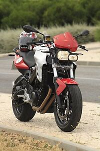 2012 BMW F800R. Top Of The Line Streetfighter style Bike