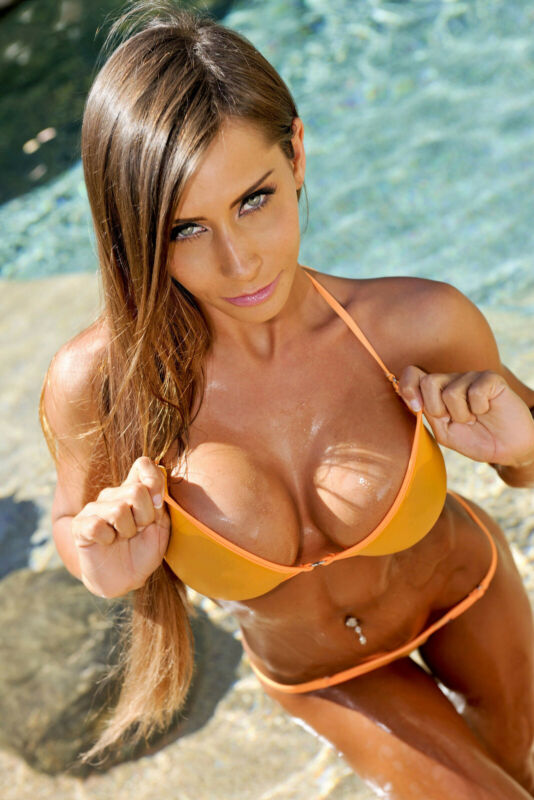 Madison Ivy Exitoina 8x10 Picture Celebrity Print