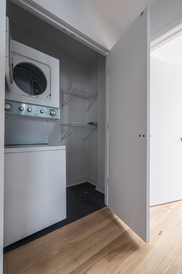 renovated 3 1/2 apartment - Shaughnessy Village - near ...