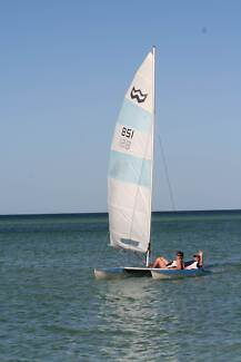 Windrush 14ft Surfcat with Jib and licensed trailer