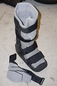CAM Walker / Moon Boot (Tall) - Excellent condition Montmorency Banyule Area Preview