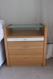 MATCHING BEDSIDE TABLE and DRESSER  OF 5 DRAWERS with GLASS tops Northbridge Willoughby Area Preview