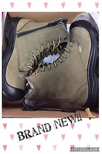 Size 6 Work boots -  safety shoes **New Price**