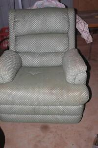 Recliner single lounge suite Marrar Coolamon Area Preview