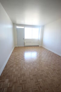 Renovated Studio - October or later - Downtown - GUYCONCORDIA