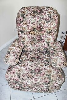 Electric Lift Reclining ArmChair Hillbank Playford Area Preview