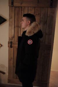 Men's small Canada Goose Chateau jacket