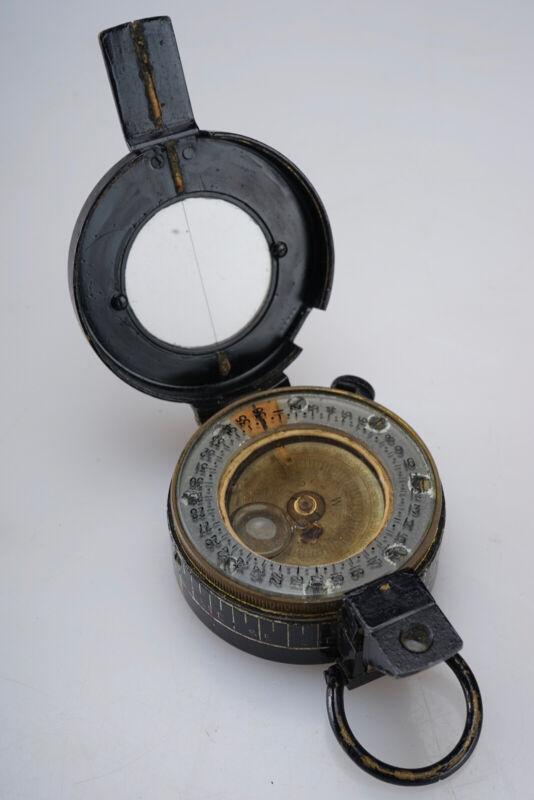 Vintage WWII Military Pocket Compass T.G.Co. Ltd 1939 MKIII London UK