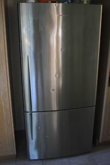 Fisher & Paykel fridge and freezer, very good conditions