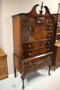 Beautiful Antique Dresser $275