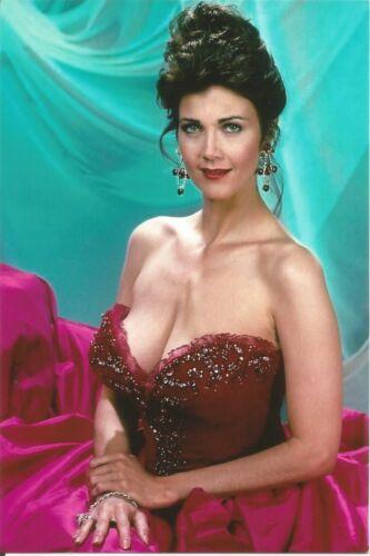 Linda Carter Color Photo.. <<   Wonder Woman ... >>.