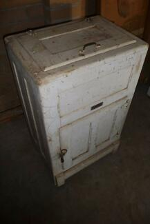 Antique Ice Chest Tinonee Greater Taree Area Preview