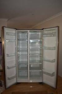 Westinghouse stainlesssteel doubldoor fridge. EXCELLENT CONDITION Redcliffe Belmont Area Preview