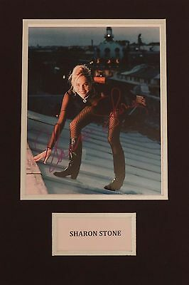 "SHARON STONE - BASIC INSTINCT - STUNNING SIGNED 10x8"" COLOUR PHOTO - COA"