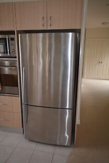 Spacious fridge in great condition Ettalong Beach Gosford Area Preview