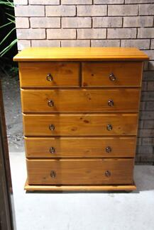 VGC solid timber 6 drawers tallboy metal runner can deliver