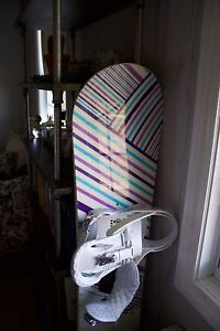 Burton Feather Snowboard 153 and Burton Stiletto Bindings