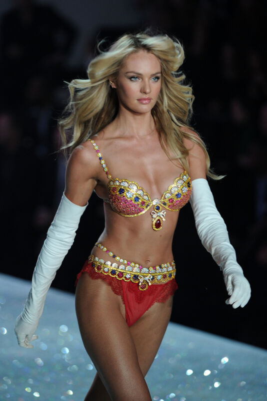 Candice Swanepoel With Long Gloves 8x10 Picture Celebrity Print
