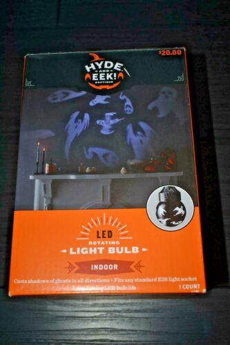 Rotating Ghost LED Halloween Light Bulb Hyde & EEK New 2020