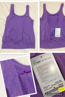 BNWT Lorna Jane Size Medium Purple Exercise Top