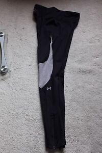 Under Armour Heat Tight, Womens Size small (4-6)