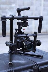 MōVI M5 3-Axis Motorized Gimbal Stabilizer