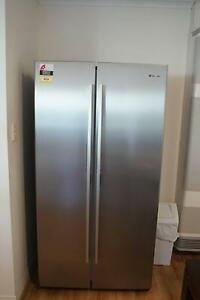 Westinghouse 610LSide by Side Fridge And Freezer (Under Warranty) Hallett Cove Marion Area Preview