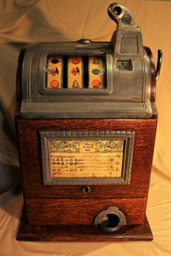 O.D.Jennings & Co. 10 Cent Oak Cased Slot / Gum Vending Machine c. 1920s