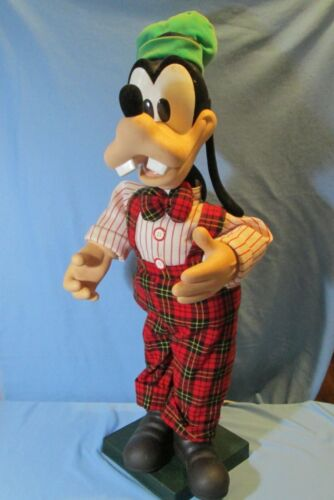 Vintage Disney GOOFY 29 inch Animated Musical Christmas Motionette