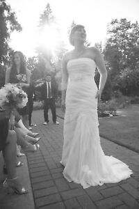 White by Vera Wang Wedding Dress for sale