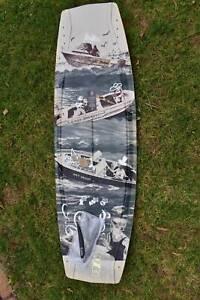 BRAND NEW 138 Wakeboard & XL Bindings