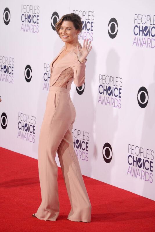 """""""Grey's Anatomy""""-Star Ellen Pompeo setzt auf weite Hosenbeine (Gregg DeGuire/Getty Images)"""