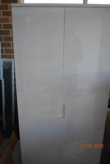Wardrobe/ cabinet with drawers Kyeemagh Rockdale Area Preview