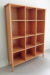 SOLID OAK BOOKCASE/ DISPLAY UNIT FROM NATURES SECRET - P/up HAMPT Hampton Bayside Area Preview