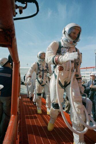 NEIL ARMSTRONG DAVE SCOTT ASTRONAUTS ENTERING GEMINI 8  8X10 NASA PHOTO (EP-117)